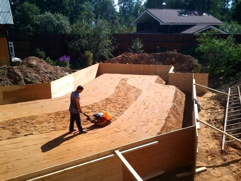 Устройство фундаментного основания на песке