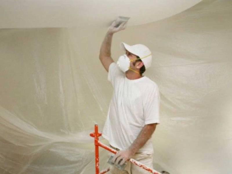 Как можно выровнять потолки и стены