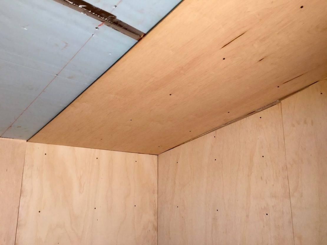 Потолок из вагонки своими руками: как правильно его обшить, отделка самостоятельно, видео-инструкция